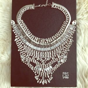 Sparkly statement necklace